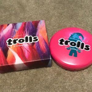MAC Trolls Beauty Powder